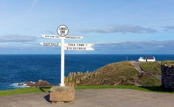 Lands-End-Cornwall-sign